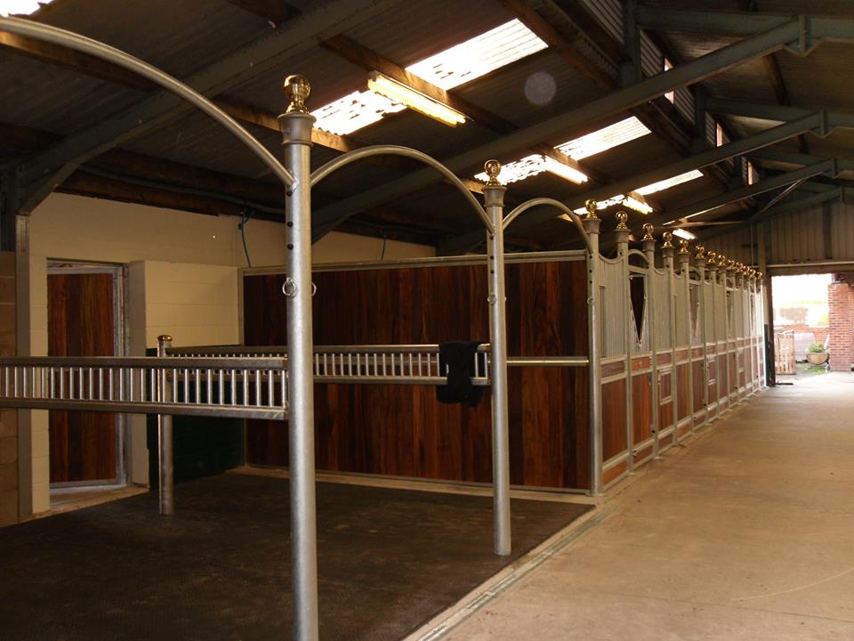 Majestic Arched Wash Bay With Tie Posts And Ladder Style Divisions