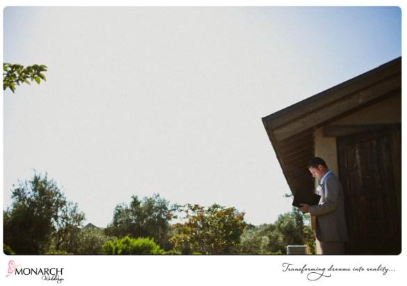 Rustic-chic-wedding-del-sur-ranch-house-officiant