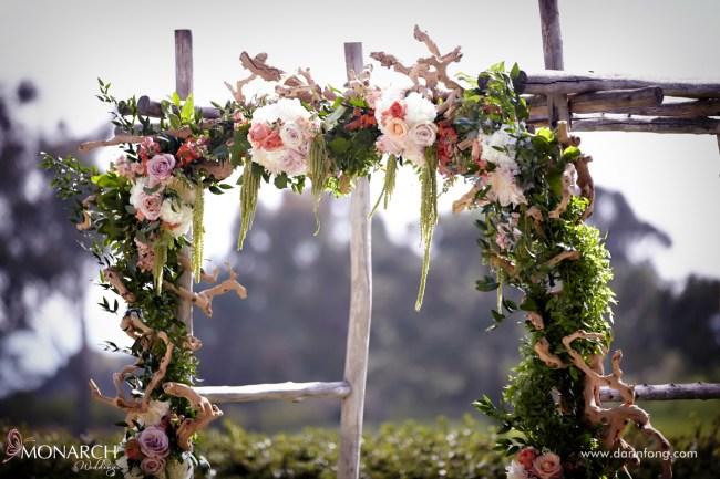 Lodge-at-Torrey-pines-wedding-rustic-arbor