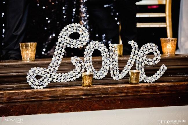Gatsby-Prado-at-balboa-park-wedding-love-sign