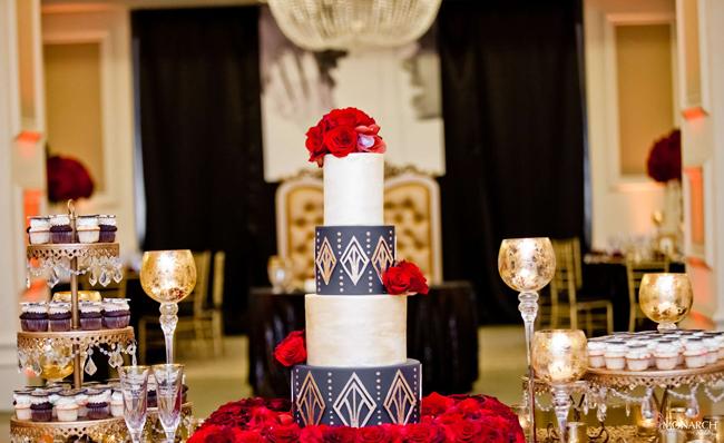 Gatsby-wedding-hey-there-cupcake-designer-wedding-cake-red-roses-us-grant-hotel