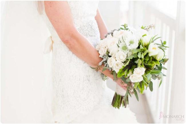 White-green-anemone-loose-garden-Bridal-bouquet
