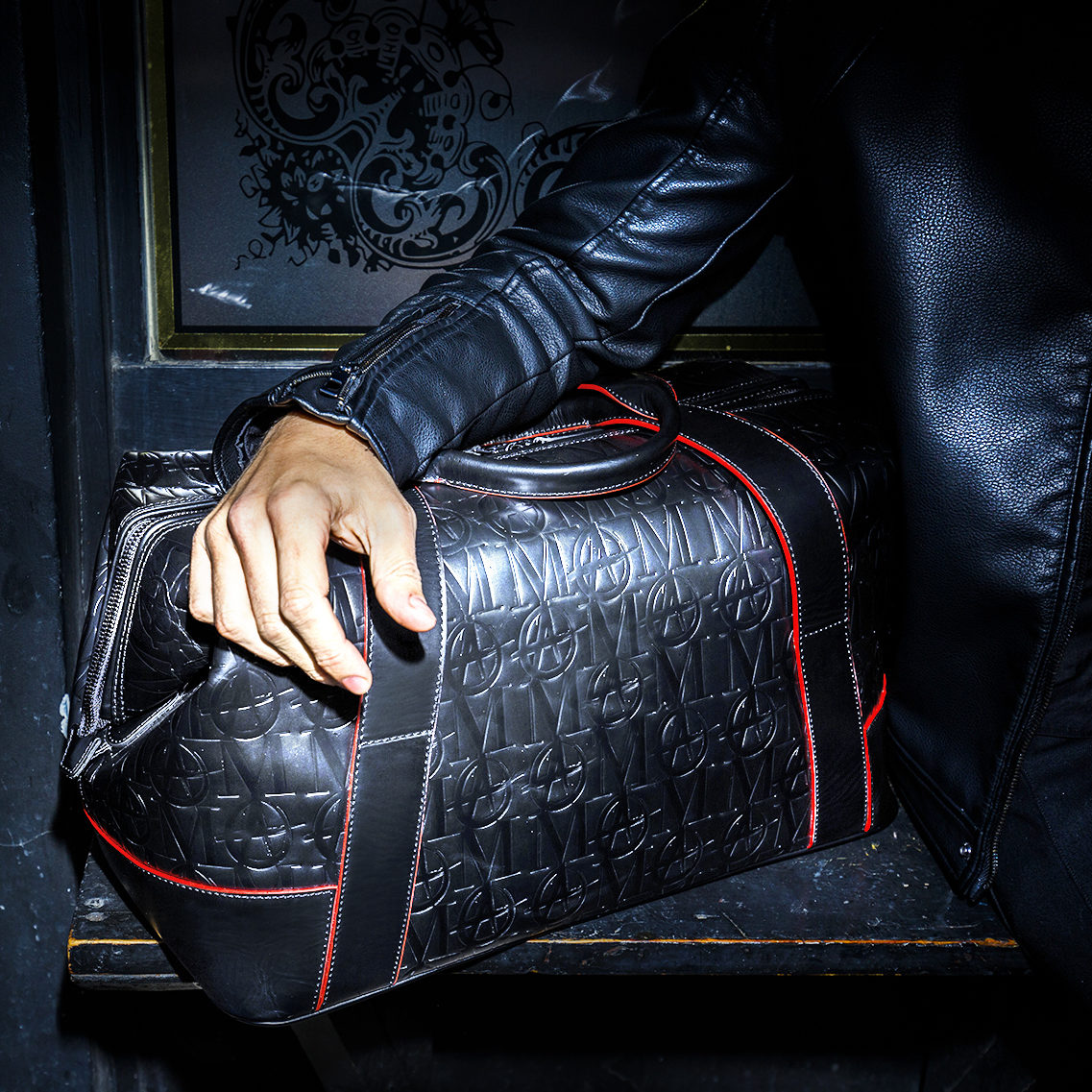 Monarchy London, Luxury Leather Goods for Stylish Gentlemen. Men's leather bags, wallets and accessories, made by hand.