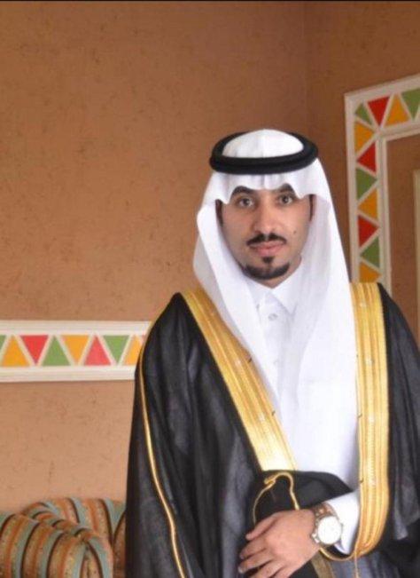 مساعد رئيس بلدية بللحمر يحصل على الماجستير في إدارة الأعمال