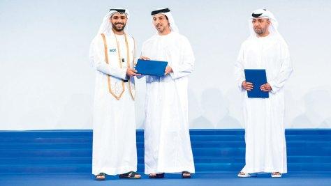 منصور بن زايد يشهد تخريج 90 طالباً وطالبة من خريجي مكتب البعثات الدراسية