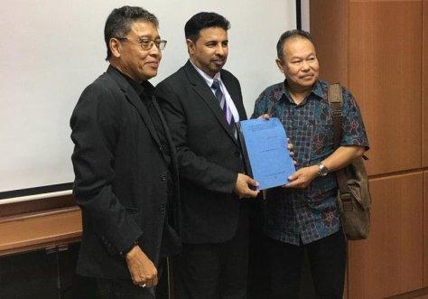 """""""القرني"""" ينال الدكتوراه من ماليزيا في """"الموهبة والإبداع والتفوق"""""""