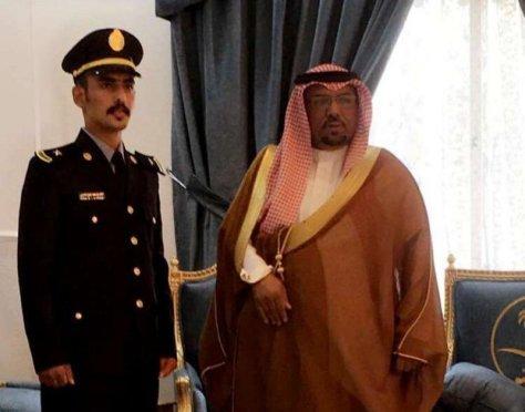 """""""العذيبي"""" يحتفل بتخرج نجله من كلية الملك خالد بالحرس الوطني"""