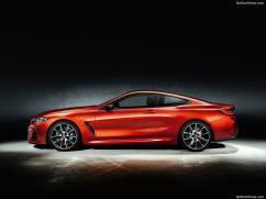 BMW Série 8 2019 M8 de profile
