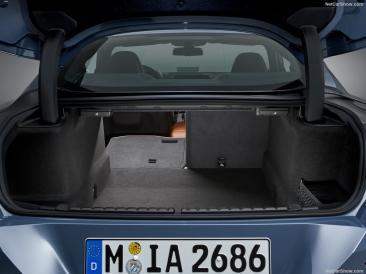 BMW Série 8 2019 coffre espace