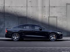 Volvo S60 2019 noire profile
