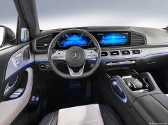 Mercedes GLE 2019 derrière le volant