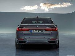 BMW Série 7 2020 male arrière