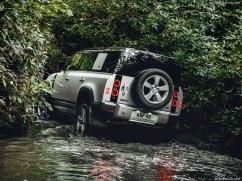 Galerie Land Rover Defender 2020 version 110 rivière
