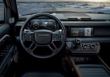 Galerie Land Rover Defender 2020 version 110 volant