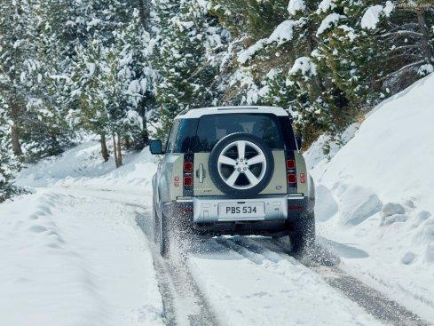 Land_Rover-Defender_90-2020-1024-27
