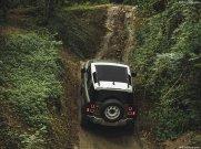 Land_Rover-Defender_90-2020-1024-37