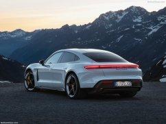 Porsche Taycan 2020 vue arrière