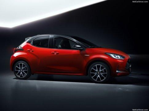 Toyota-Yaris-2020-1024-0b