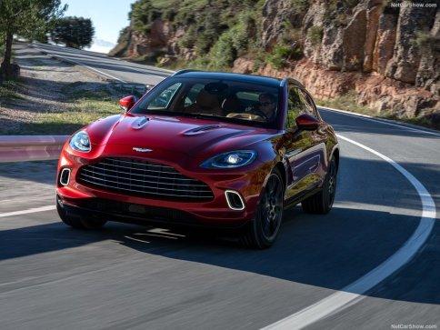 Aston Martin DBX 2021 test sur route