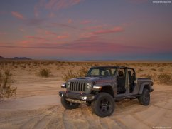 Jeep-Gladiator_Mojave-2020-1024-02