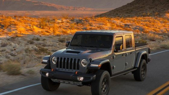 Jeep Gladiator Mojave sur route