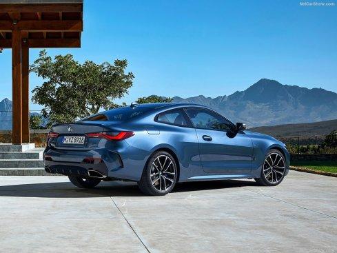 BMW M4 coupé 2021 male arrière