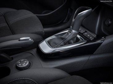 Opel-Crossland-2021-1024-08