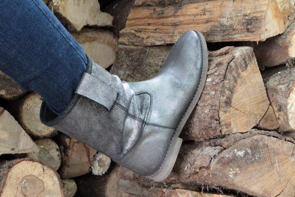 boots-jonak
