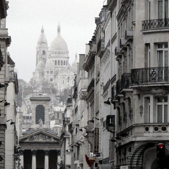 rue-lafitte-montmartre