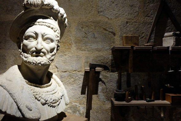 renaissance-du-chateau-statue