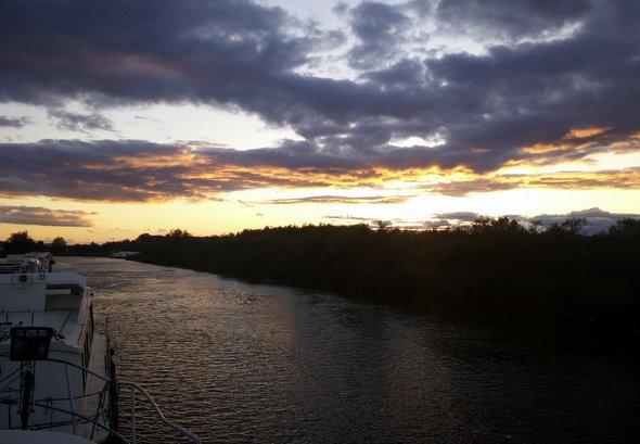 sunset-carnon-lescanalous