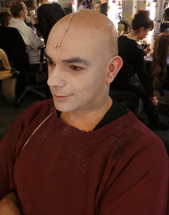 Bal des vampire Mogador - tuto makeup - transformation en vampire 1