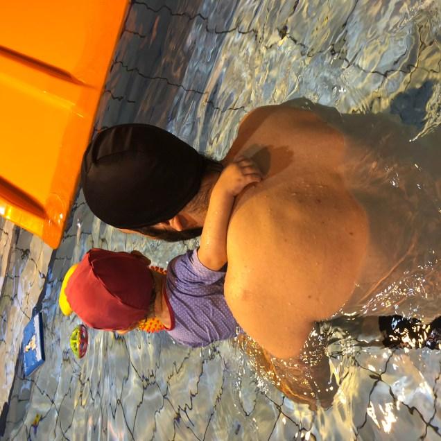 Relation père enfant - Les bébés nageurs