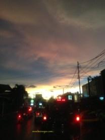 Pulang Menjelang Senja