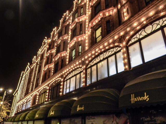 O que fazer em Londres, uma visita à Harrods é uma ótimca opção para quem gosta de compras
