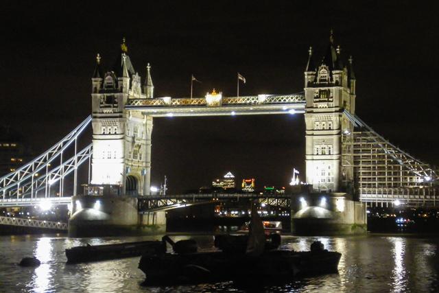 O que fazer em Londres, uma das opções é visitar a Tower Bridge