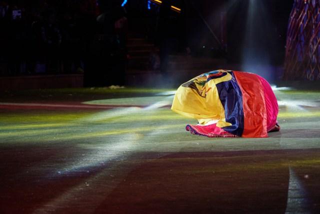 mulher do equador se apresentando nos Jogos mundiais nômades