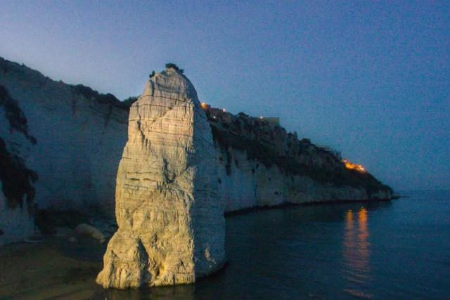 A rocha do Pizzomunno em Vieste, Gargano