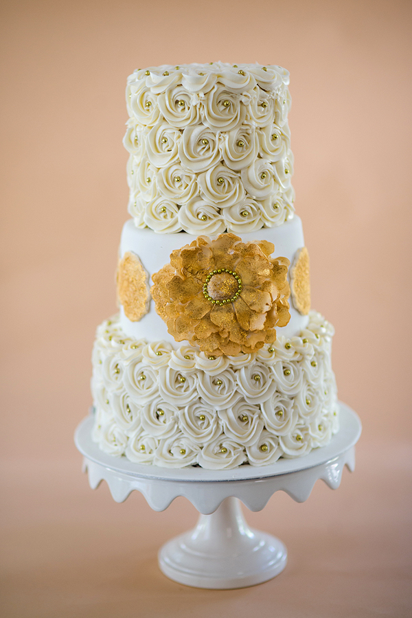 Pics of the WeekIvory and Gold Rosette Cake
