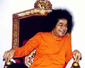 sathya-sai-baba-laughing