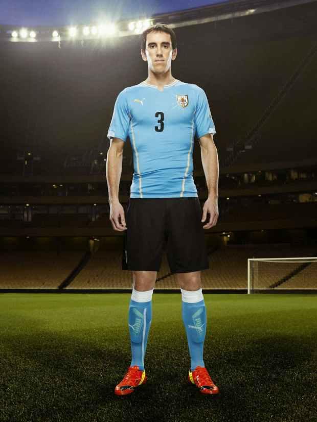 Le maillot domicile de l'Uruguay pour la coupe du monde 2014