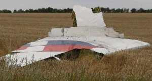Crash-malaysia-airlines-MH17-debris-avion-REUTERS
