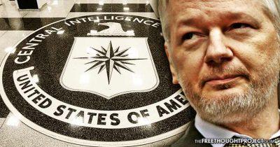 Assange comparaît au tribunal, ses avocats avertissent que l'affaire pourrait être retardée par une nouvelle inculpation américaine