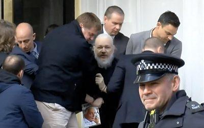 Interview d'Eva Joly: «Si Julian Assange est extradé, c'est la fin de l'État de droit en Occident»