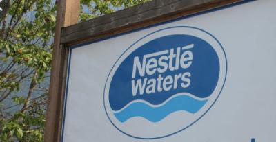 Nestlé Waters un colosse aux pieds de plastiques