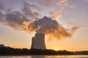 ITER: Macron confirme sa soumission au nucléaire