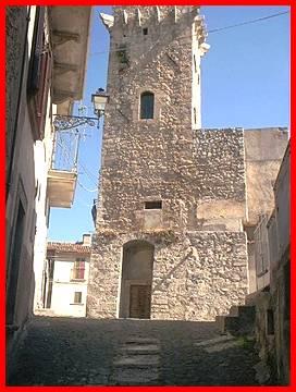 Torre di Civitaretenga frazione di Navelli castelli