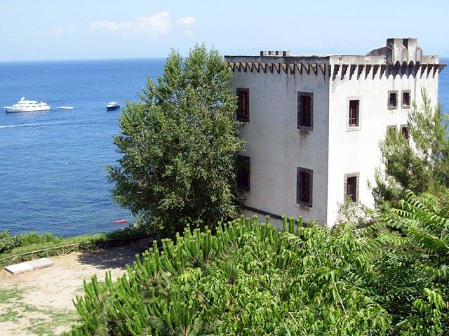 Tutte le fortificazioni della provincia di Napoli in