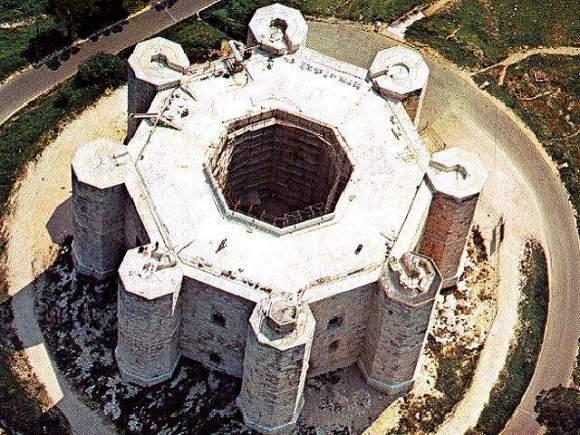 Castel del Monte Castelli della Puglia provincia di