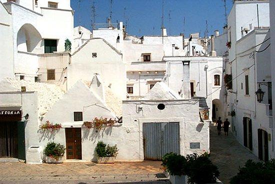 Tutte le fortificazioni della provincia di Taranto in sintesi Castelli della Puglia